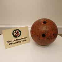 Henry Gustafssons bowlingklot.jpg