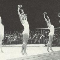 Fyra kvinnliga gymnaster.jpg